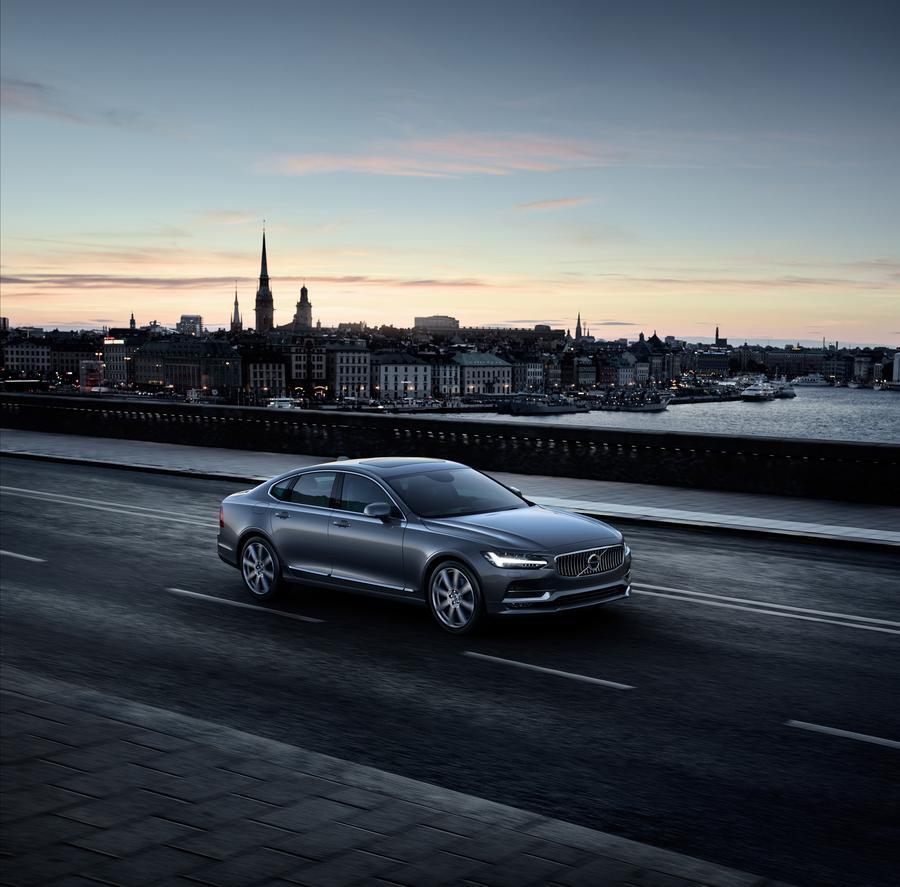 Nouvelle Volvo S90 de nuit