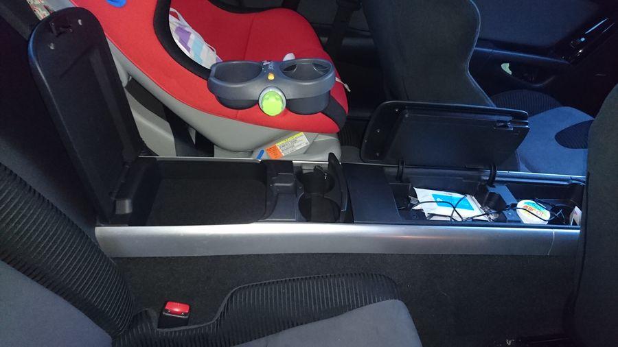Siège Recaro bébé dans une Mazda RX8