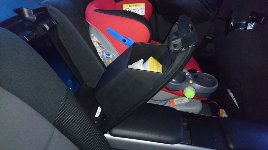 Un siège bébé Recaro dans une RX8