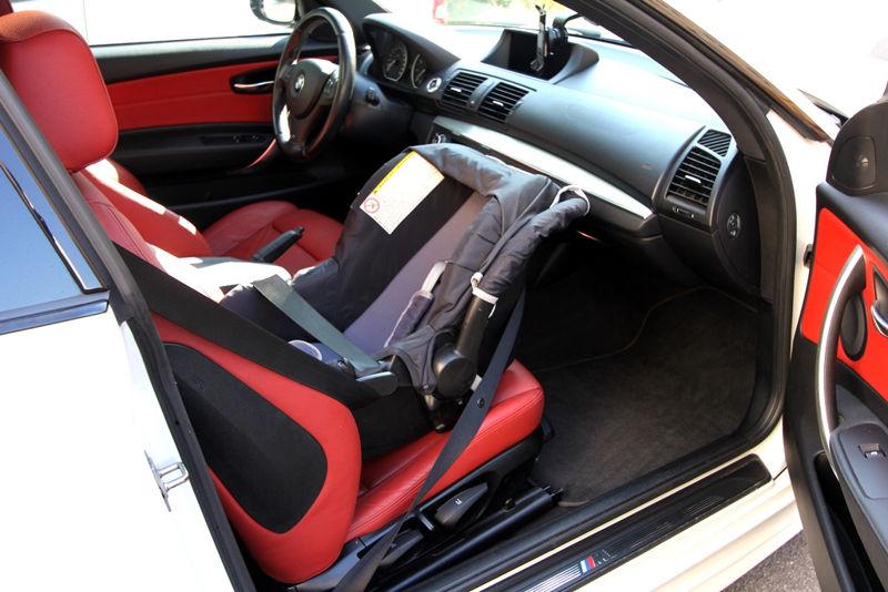 Siège Auto à l'avant d'une BMW 125i