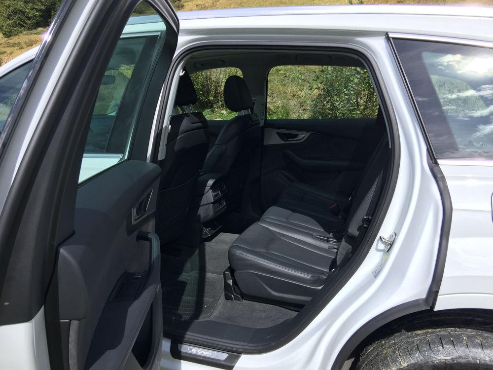 Places arrières de l'Audi Q7 e-tron