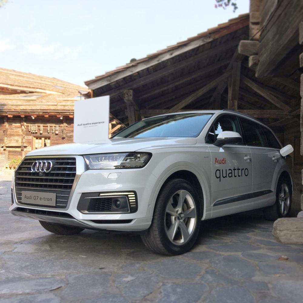 Audi Q7 e-tron en pleine recharge aux Fermes de Marie à Megève