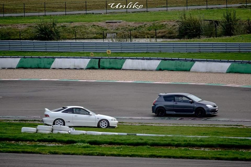 Integra Type R VS Corolla TS